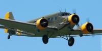 Un Junkers Ju 52 trimoteur en vol