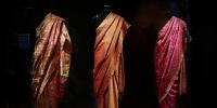 3 saris, Inde, zone Asie, plateau des collections du musée du quai Branly-Jacques Chirac